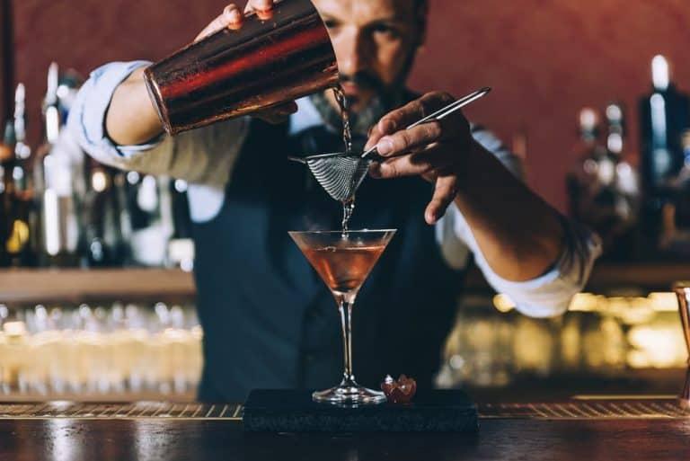 lavorare-come-barman-dove-come-quanto-si-guadagna