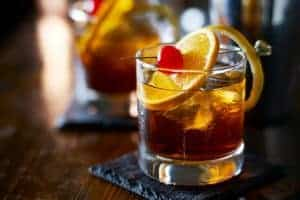 old-fashioned-il-cocktail-che-appassiona-i-barman