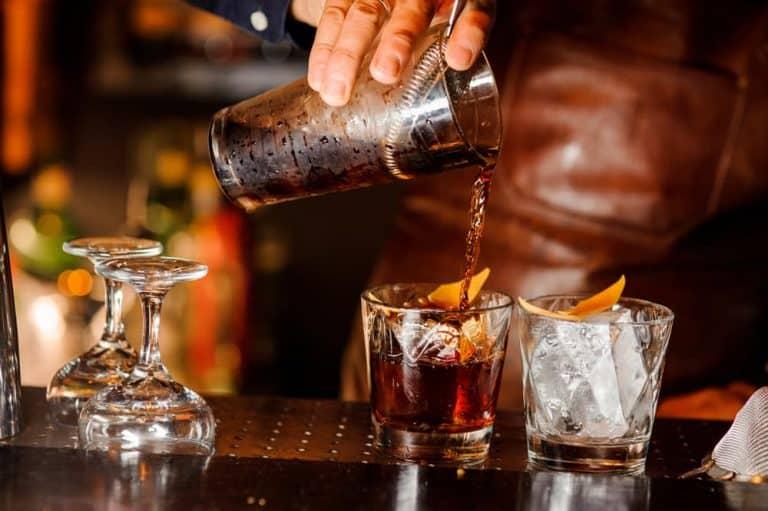 ti-affascina-il-lavoro-del-barman-inizia-ora-con-noi-basta-un-solo-corso